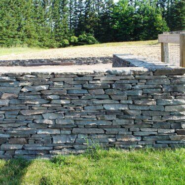 New York Bluestone Full Color Natural Block Wall