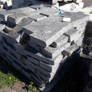 Highland Blue Drystack Retaining Wall 3″ Height